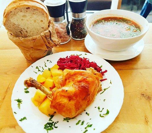 🍴 Va așteptăm #LaTartine #Cotroceni cu MENIUL ZILEI (#Marti, 18 #Decembrie) la 23 lei: - Ciorba de purcel - Pulpe de pui cu cartofi la cupt