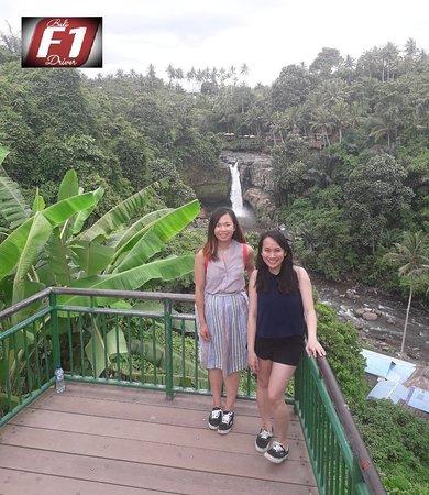 Bali FirstOne Driver: Rocky waterfalls of Tegenungan