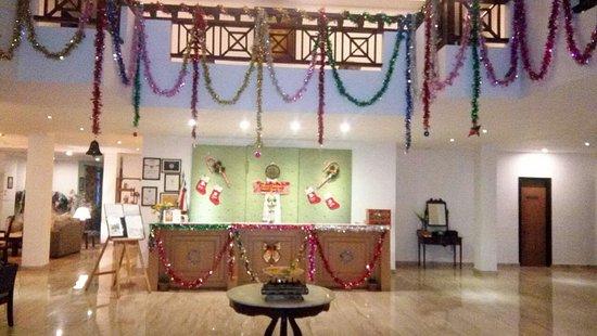 The Chumbi Mountain Resort & Spa : Christmas tree up