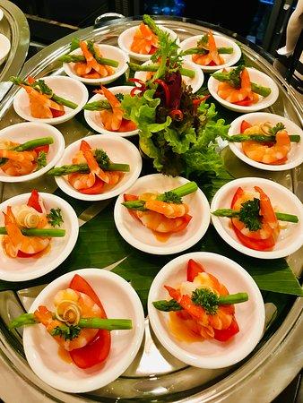 Saigon Princess - Unique Luxurious Dining Cruise: Aperitif dinatoire