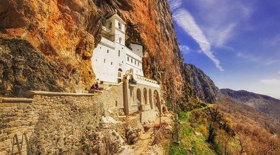 Mont Travelers Podgorica: Ostrog monastery