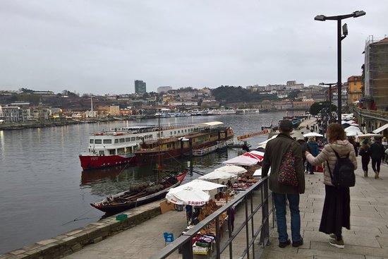Walk & Bites: Promenade walk by the Douro