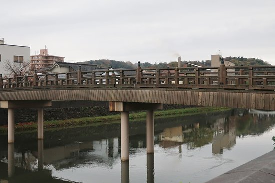 江戸期の橋のようだ