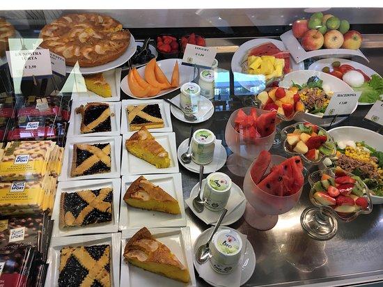 Saccardi Coffee Food & Wine: Torte fatte in casa