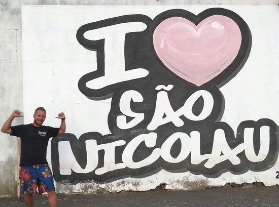 Cartel de bienvenida a la isla de Sao Nicolau
