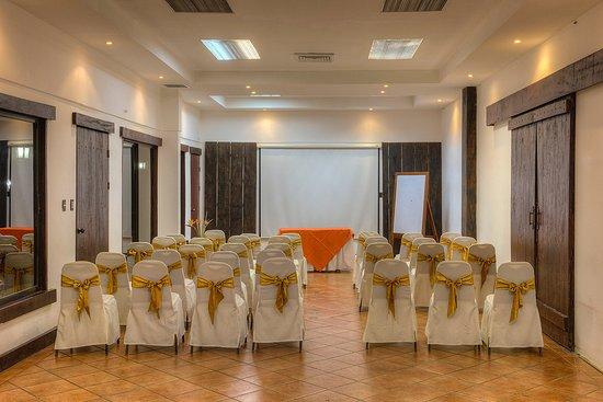 Interior salón Tenorio