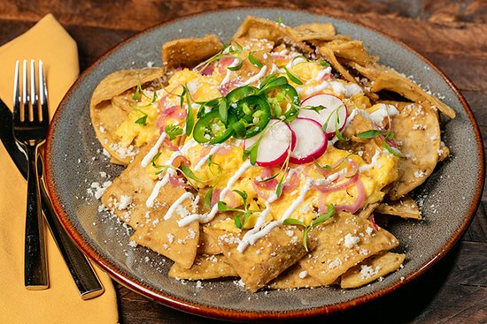 Bear Springs Hotel: Chilaquiles available at Bear Springs Bistro & Lounge.