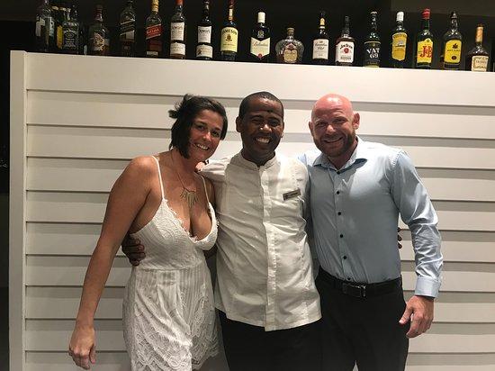 Excellence El Carmen: Sky Bar bartender, Jhovanny