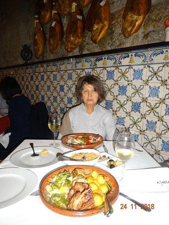 Restaurante Abadia Do Porto: Вяленые окорока настоящие-не камуфляж