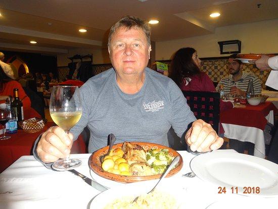 Restaurante Abadia Do Porto: Оптимальные порции без излишеств гарниров