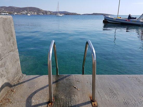 Finikas, Grèce: φροντίζουμε για εσάς...