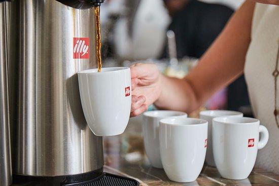 Hotel Bella Grace: Illy Coffee
