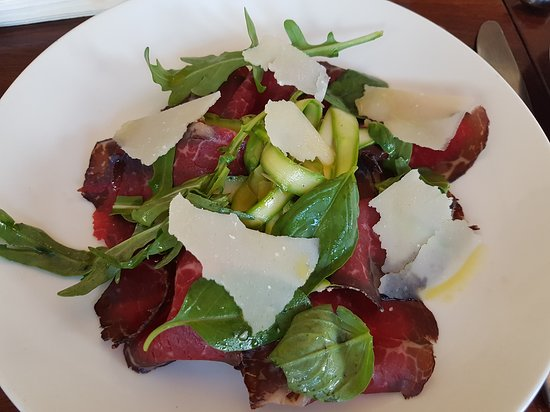 Jolleys Boathouse Restaurant : Salad with cold cuts