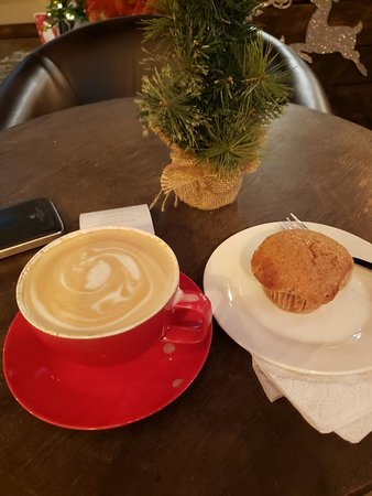Cabot, AR: Peppermint Mocha and carmel apple butter muffin