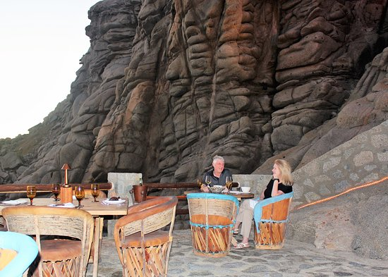 El Farallon: Photo by David Dickstein. All rights reserved.