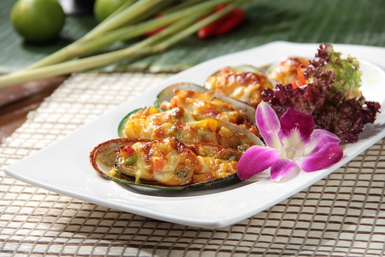 Baked Mussels w/ Thai Style