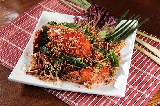 Quick Fried Crab w/ Lemongrass Dried Chili & Garlic