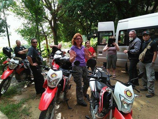 Mai Hich, Vietnam: 🔴Đến với Thuyết Nhung homestay bạn sẽ có 1 không gian thật trong lành và thoải mái              🔴Sẽ có nhiều hoạt động dành riêng cho bạn và gia đình như : Văn nghệ rượu cần , chèo bè , đạp xe ... 🔴Chi tiết xin liên hệ . 🔴Địa chỉ : xóm hịch 2 - Xã Mai Hịch - huyện Mai Châu - tỉnh Hoà Bình 🔴Sđt : 0974305235 or 0979635305 🔴Đchi email : thuyetnhunghomestay@gmail.com