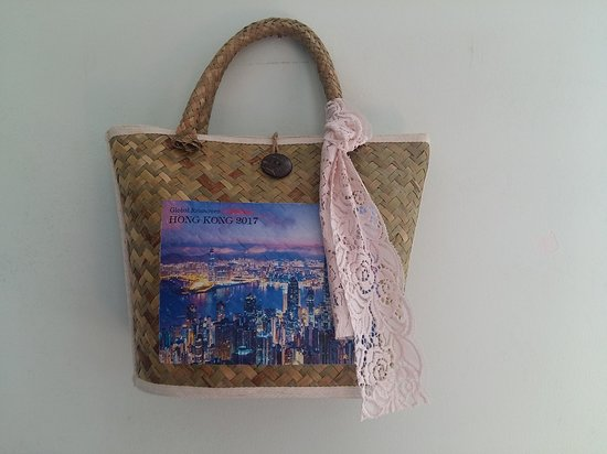 the tropical real straw bag , it is unique , special in market   SAI GON night  printed on bag as souvenir from your trip in VIET NAM   it is made by hand . material : real straw - coconut button - hemp string and lace decoration  size bag : W 35 cm - H 25 cm .  price : 15$/pc buying 5 free 01   door to door delivery from 1 - 3 day