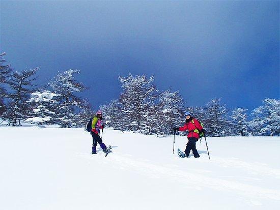 Outdoor Earth: スノーシューでしか行けない! ふっかふか真っ白な雪上の銀世界へ