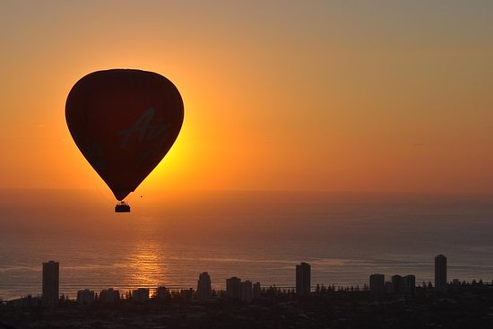 Deluxe Gold Coast Hot Air Balloon med ...
