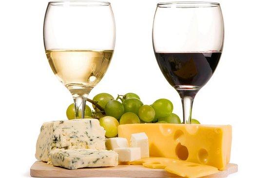 維爾紐斯的私人葡萄酒和奶酪品嚐之旅