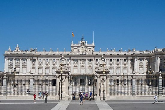 Visitez le palais royal de Madrid...