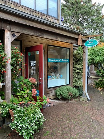 Cannon Beach, OR: Front entrance