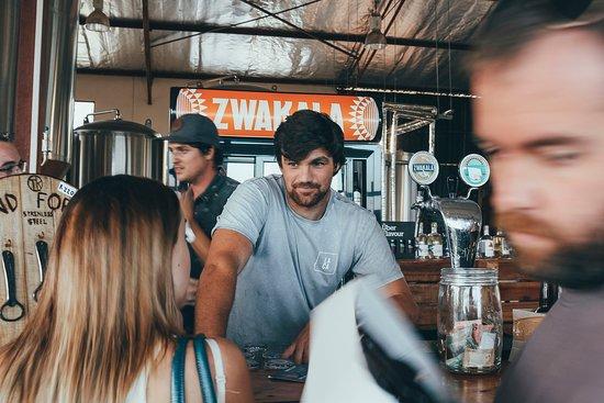 Zwakala Brewery: Friendly barmen