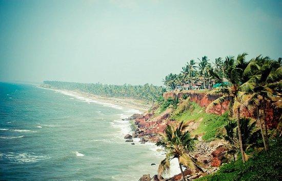 Savithri Inn Bamboo cottage : beach view - varkala