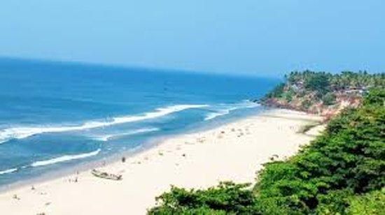 Savithri Inn Bamboo cottage : beach