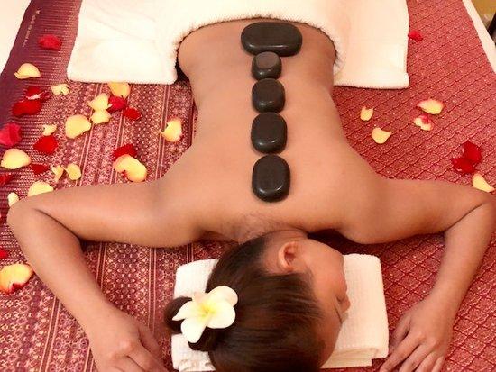 Hattha Thai Spa: Hot-Stone Massage