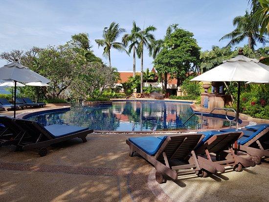 Novotel Phuket Resort : Piscine adulte, au 2° niveau...