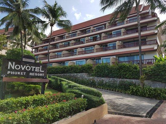 """Novotel Phuket Resort : Aile """"Eglantine"""" avec vue sur mer..."""