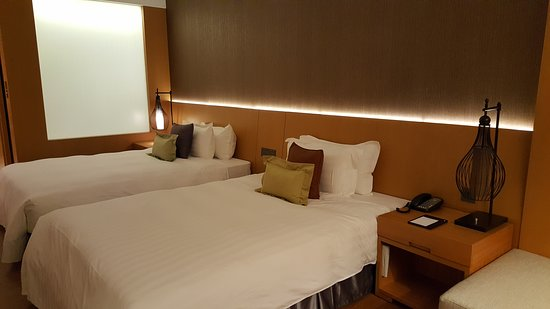 Golden Lake Hotel: 寬敞舒適