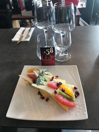 Le 58: Bistrot 58 - Assiette de fruits frais