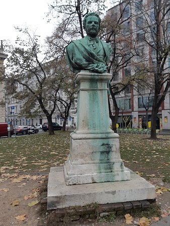 Bust of Ferenc Salamon