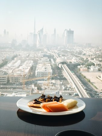 Suberb hotel and the best view of Dubai!