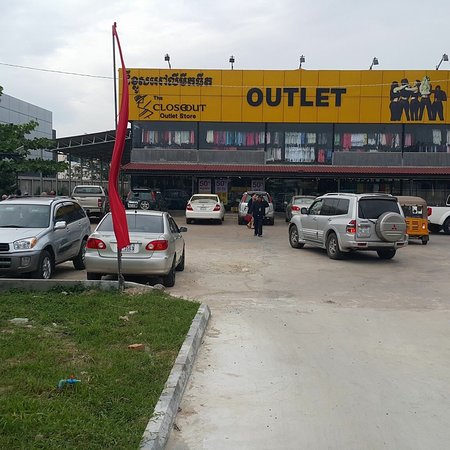 The Closeout Factory Outlet