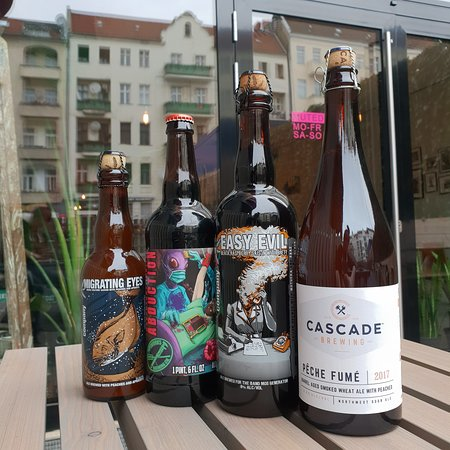 🎁🎁🎁 Still looking for a gift for that beer lover in your life? 🎄🎄🎄  We just got a few more new bottles on the list! → Cascade Brewing Pêche Fumé 2017, 6.8% Oak-Aged Smoked Sour Wheat Ale with Peaches → Anchorage Brewing Company Easy Evil, 8.0% Oak-Aged Black Raspberry Saison with Brett  → Pipeworks Brewing Company Raspberry Truffle Abduction, 10.5% Raspberry & Cacao Imperial Stout → Anchorage/Tired Hands Brewing Company Migrating Eyes, 8.0% Oak-Aged Spelt Saison with Apricots & Peaches ⛄