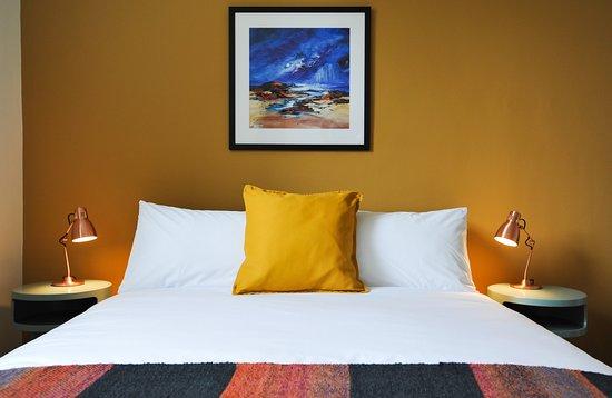 Шотландские границы, UK: Yarrow bedroom, The Five Turrets, Selkirk