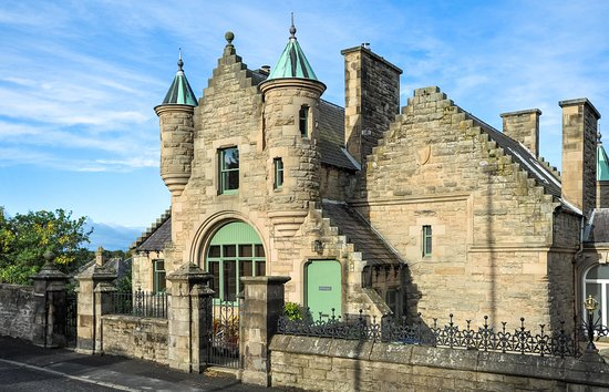 Шотландские границы, UK: The Five Turrets, Selkirk