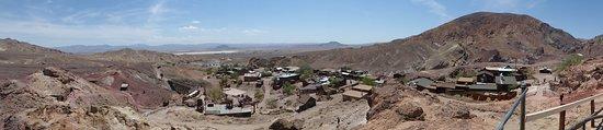 Yermo, CA: vista panorámica desde lo alto del pueblo