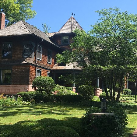 Home Alone House (Winnetka) - 2019 All You Need to Know ...