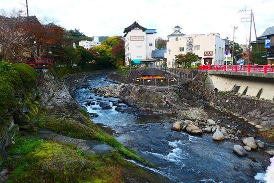 Katsura Bridge: 素敵な川沿いの景色