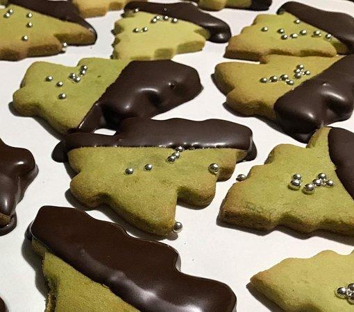 Alberelli di Natale con pistacchi e cioccolata