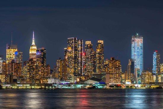 Night view of NYC skyline