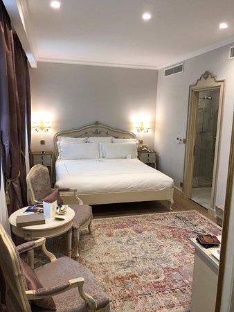 Domus Zamittello: Classic Room - King Bed (Room 46, 4th Floor)
