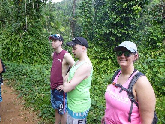 Recorrido para grupos pequeños por las zonas menos transitadas de la selva de El Yunque: You can see the hiking path in the lower left corner