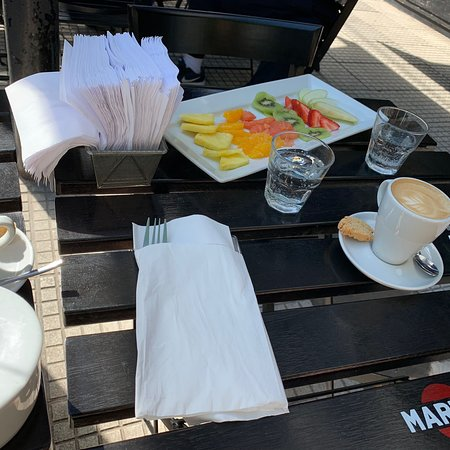 Good coffee and fruit salad (tiny)